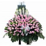 AFF005 - 無盡的愛 : 134支玫瑰高架悼念花籃