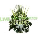 AFF009- 高架悼念鮮花籃,  百合, 玫瑰,太陽花及配花绿葉