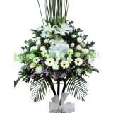 """AFF022  - 默默的祈禱  - 西伯利亞百合, 玫瑰,太陽花及绿葉高架悼念花籃 (H""""5)"""